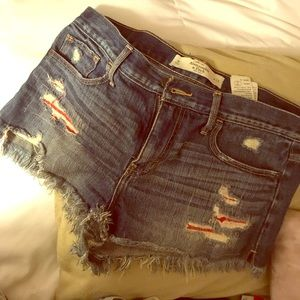 Cute Abercrombie & Fitch ripper jean shorts (8)